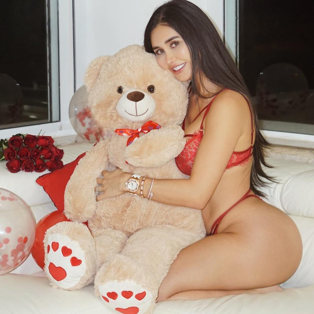 Joselyn Cano photo 4
