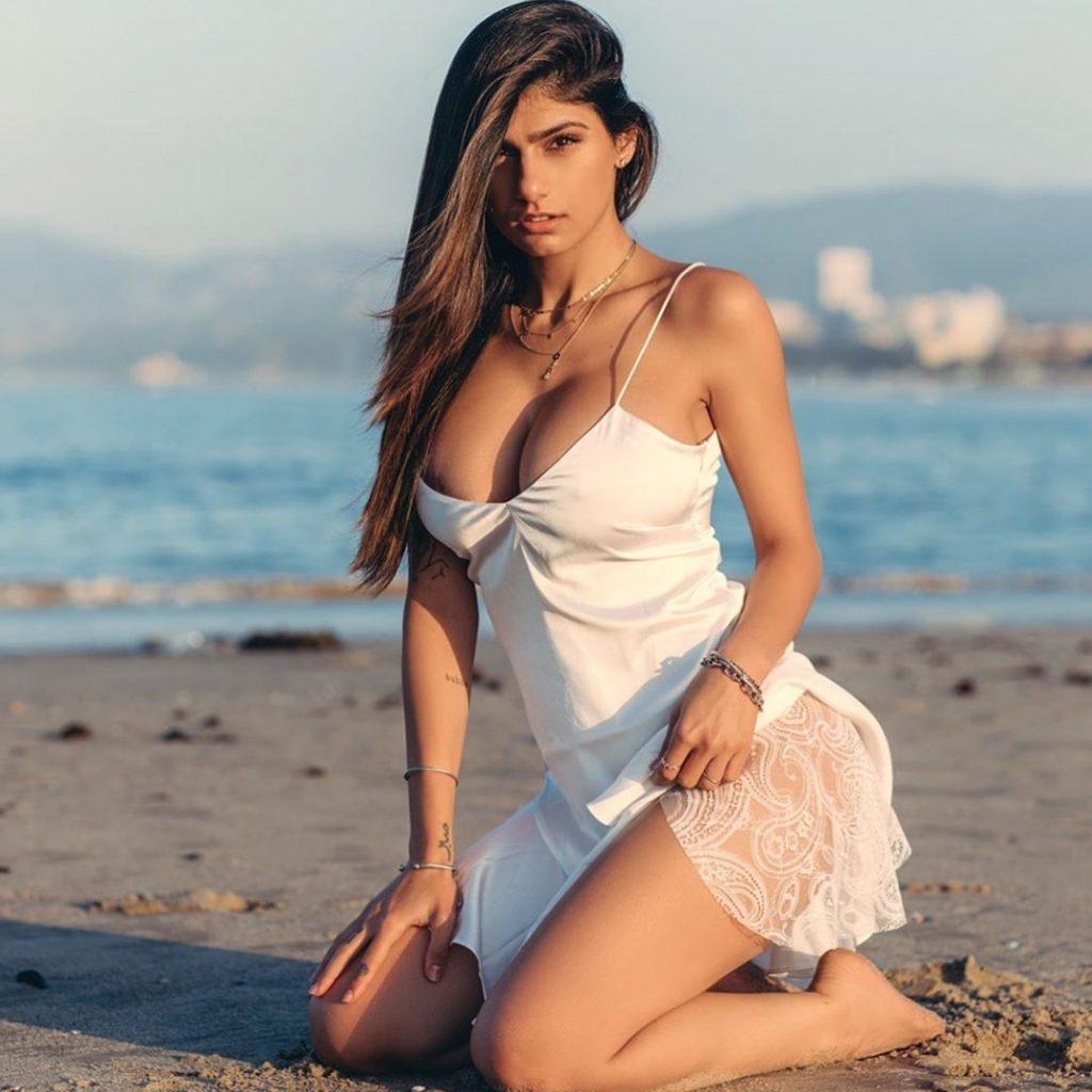 Mia Khalifa photo 3